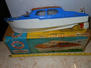 TRI-ANG Vintage Scalex boat Derwent Cabin Cruiser electric toy with original box