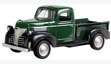 Motormax 1/24 Scale 1941 Plymouth Pick up die-cast  Car Model 73278