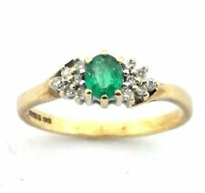 Ladies/womens 9ct/9carat gold ring with a green stone and diamonds, UK size