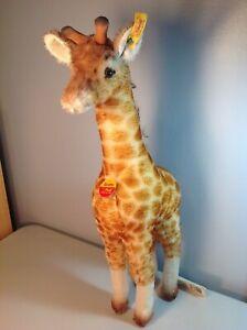 Steiff Large Giraffe Mohair w/ Tags #068102