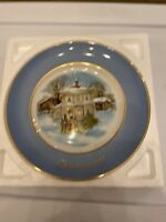 """1977 AVON Christmas Plate Series """" Carollers in the Snow"""", 4th Edition, Wedgwood"""