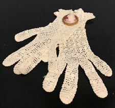 True Victorian Era Women's Cream Crochet Gloves With Bonus Cameo Brooch Xs