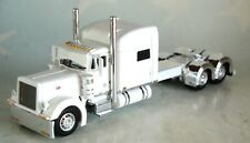 """DCP by First Gear 1/64 Peterbilt Model 379 70"""" Mid-roof Sleeper CAB White"""