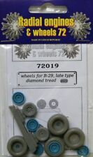 Radial Engines and Wheels 1/72 Boeing B-17/B-24J/B-29A Wheels Late - Diamond Tre