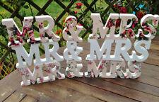 Pièce maîtresse et décorations de table blanche pour le mariage