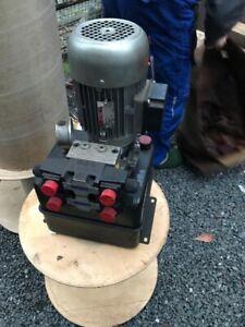 Öldruckpumpe mit Behälter