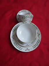 Everyday Gibson Holly Pattern Xmas 5-Pc Dinnerware Set, service for 8 total 40pc