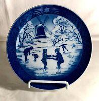 "1989 Royal Copenhagen 7"" Christmas Plate ""The Old Skating Pond"""