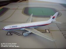 JC Wings Malaysia Airways Airbus A330-300 in Old Color Diecast Model 1:400