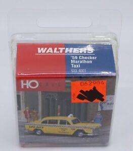 Walthers 933-4001 HO 1959 Checker Marathon Taxi
