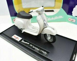 Modellino scala 1:18 VESPA 50 SPECIAL diecast modellismo collezione motor bike .