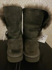 Gorgeous UGGs Women's Bailey Button Short Grey UK 7.5, Sheepskin, EUR 40 BNWT