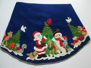 Vtg Bucilla Christmas Tree Skirt Tablecloth Completed Beautifully Handcrafted 43