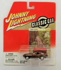 Johnny Lightning Classic Car Collection 1965 Corvette Sting Ray Coupe