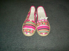 Flat (0 to 1/2 in.) Casual Multi-Colored Shoes for Women
