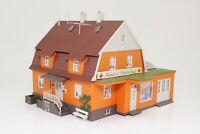 H0 Wohnhaus mit Anbau fertig aufgebaut