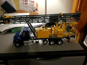 Arlas-Copco drill on Freightliner truck 1/34 scale no box/rapped in bubble wrap