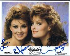NAOMI & WYNONA JUDDS AUTOGRAPHED SIGNED PHOTO (8X10) GORGEOUS PHOTO 7999