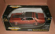 1/18 Plymouth Road Runner Diecast Model 1971 RoadRunner 440 Chase Car Ertl 39490