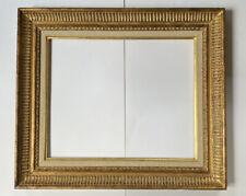 Cadre ancien en bois doré à la Feuille Or et sculpté Canaux Format 45 cm x 37 cm