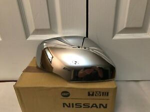 2011-2019 Infiniti QX56 QX80 Mirror Cover chrome K6350-1L000. OEM. RH side