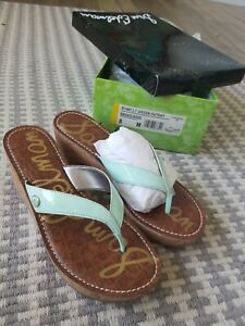 New in box Sam Edelman Romy Thong Sandals In Mint Green Patent Size 8