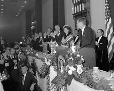 JOHN F. KENNEDY AT FORT WORTH CHAMBER BREAKFAST 11/22/1963 - 8X10 PHOTO (ZZ-824)