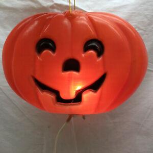 Vintage Halloween Light Up Jack-O-Lantern Window Display By Jen Zong Paper Ware