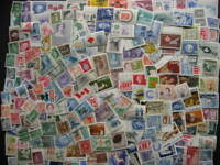 Canada collection of 200 different MNH stamps