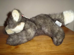 Russ Berrie Howlie Wolf Plush 100687 12 inch With Tags