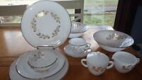 Vintage Federal Glass Co Meadow Gold Dinnerware Set service 9 Hostess 51pcs NOS