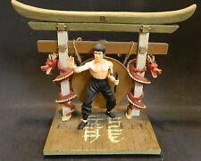 Bruce Lee Premiere Edition Universal Studios Figure Diorama Statue Excellent