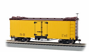 Bachmann Spectrum On30 Scale Reefer - Yellow w/Brown Roof & Ends, Data Only