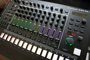 Roland TR-8S Drum Machine - barely used, V2 firmware