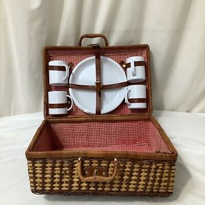 Vintage Retro Wicker Picnic Basket Hamper 4 Person with Cups and Plates VGC