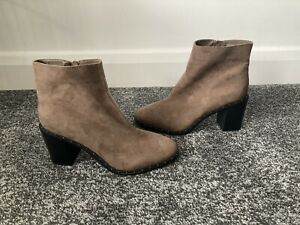 Brand New Peacocks Brown Pointed Zip Up Ankle Boots Size 6 (39)
