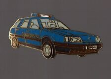 pin's voiture de police - Renault Laguna de Gendarmerie (EGF signé Ségalen)