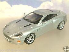 Excelente part-work Diecast 1/43 Aston Martin V12 Vanquish En Plata Blister Pack