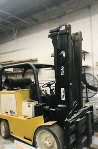 YALE GLC 120 Forklift in Exelent condition. Lift 12000 lb. Only 4600 hour on it.
