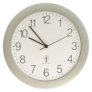 Wanduhr mit Funkuhrwerk silber Uhr Bürouhr TechnoTrade