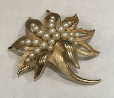 Pearl Open Work Floral Leaf Brooch 1960'S Crown Trifari Gold Plated Finish Faux