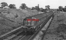 PHOTO  GW & GC JOINT LINE; DMU ON DOWN TRAIN 1961 ON THE GREAT WESTERN & GRE