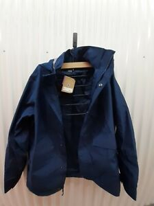 Patagonia Light Storm jacket Navy Sz L. New And Genuine. Retail 249$