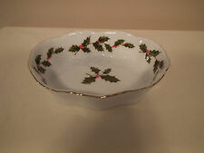 Lefton China ~ 1985 Holly & Berry Candy Nut Dish w/ Gold-leaf Accents #05236