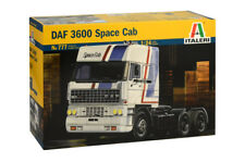 Italeri 777 1/24 Scale Model Tractor Truck Kit DAF 3600 Space Cab
