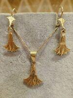 Vintage 18k yellow gold exotic Egyptian lotus dangle earrings pendant set marked