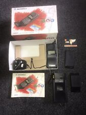 MOTOROLA INTERNATIONAL 7500 MICRO T-A-C VINTAGE MOBILE PHONE. BOXED.