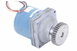 SUPERIOR ELECTRIC gearhead gearmotor SLO-SYN SS50-P3 0.56 rpm, 120VAC, 14 Nm
