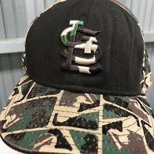 bbf2182ffa9a8 St. Louis Blues NHL Camo Size 8 New Era Baseball Cap Hat