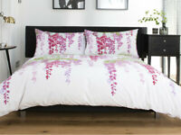 Stunning Floral Design Wisteria Duvet Cover Set King Size in Plum Polycotton